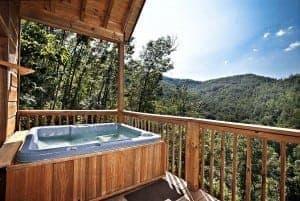 Abudant Views secluded luxury cabin in Gatlinburg