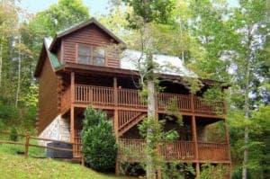 Lazy Daze Lodge secluded smoky mountain cabin rental