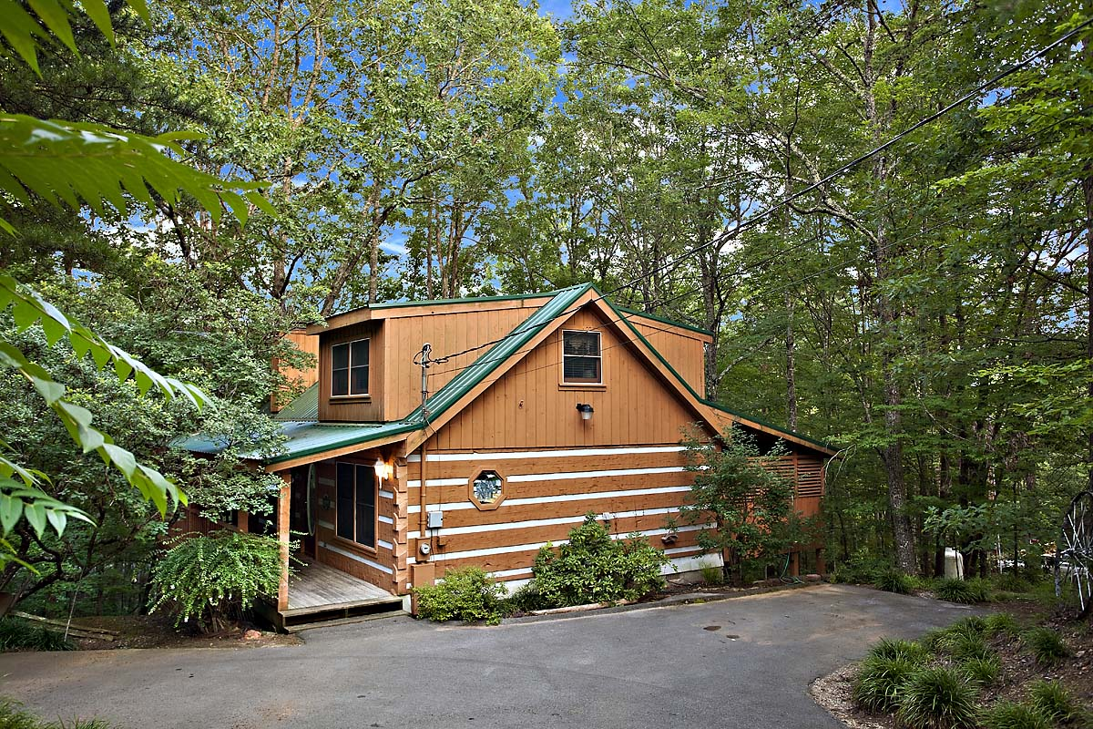 6 secluded luxury cabins in gatlinburg tn perfect for your for Private cabin rentals in tennessee