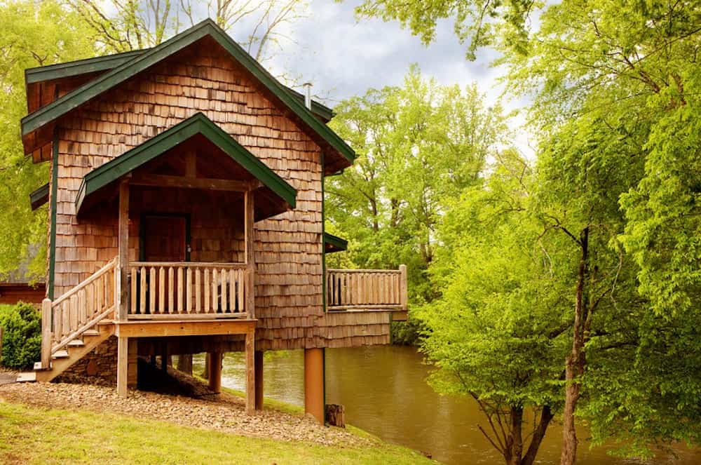 Gatlinburg cabin by the river