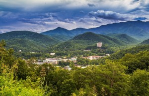 Scenic photo of the city of Gatlinburg in the mountains.