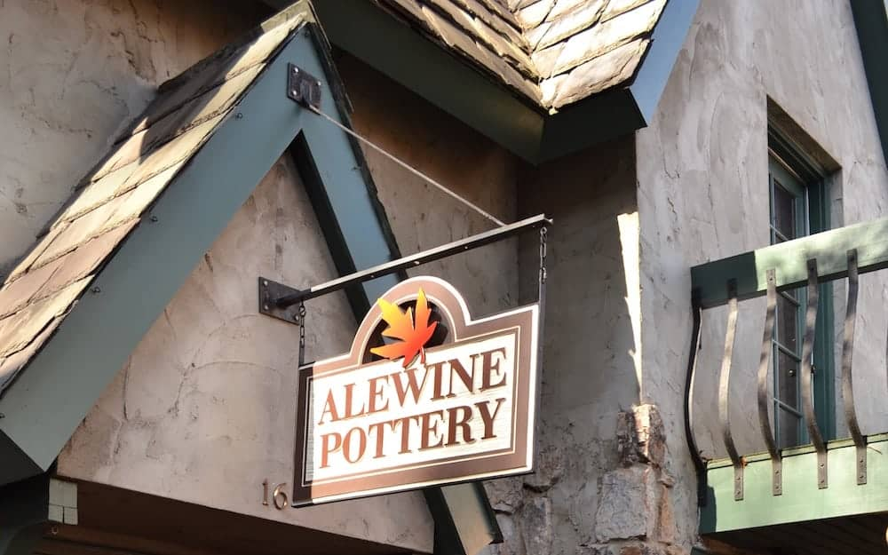 The sign for Alewine Pottery in Gatlinburg.