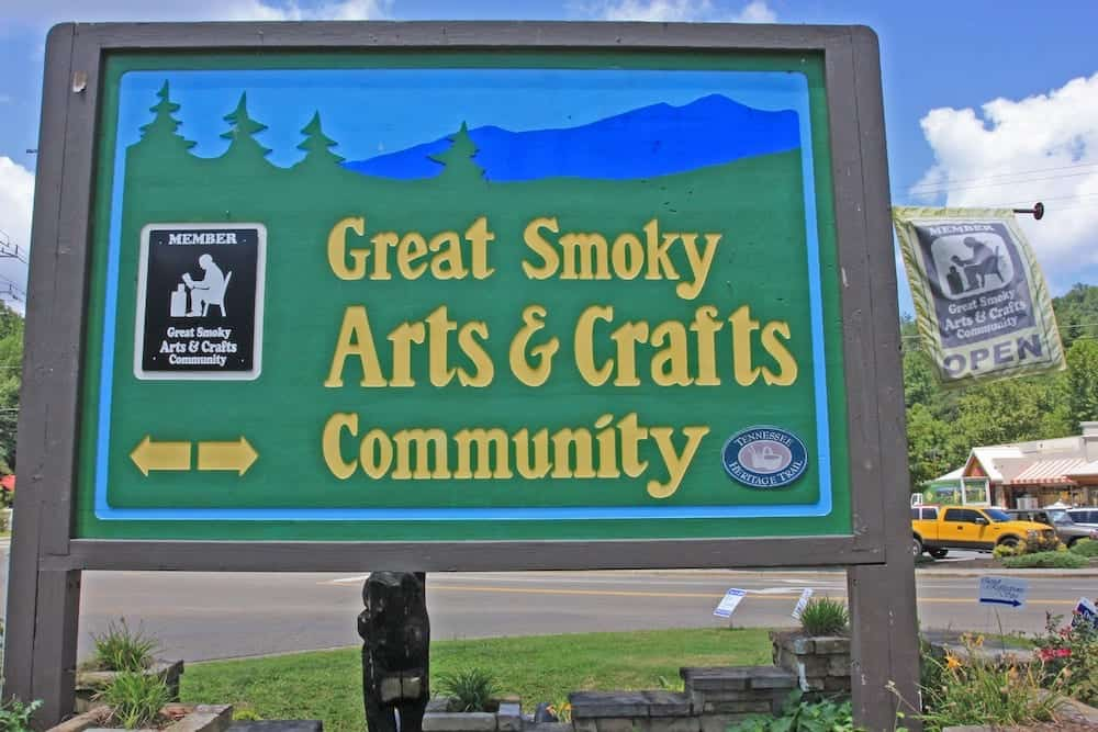 Arsts and Crafts Community sign-arts04044