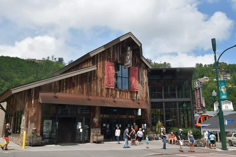 The 6 Best Distilleries in Gatlinburg and Pigeon Forge
