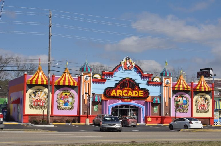 big top arcade in pigeon forge tn